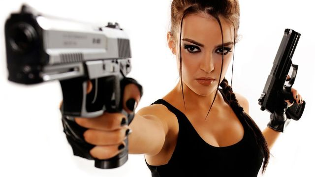 girl-gun-guns-karma-lara-croft-tombraider-180411
